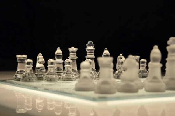 chess-game-chessboard-glass-board-planning
